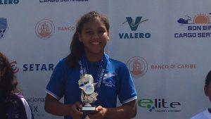 Chenice Bergman wint de Highest Point Trophy op Aruba